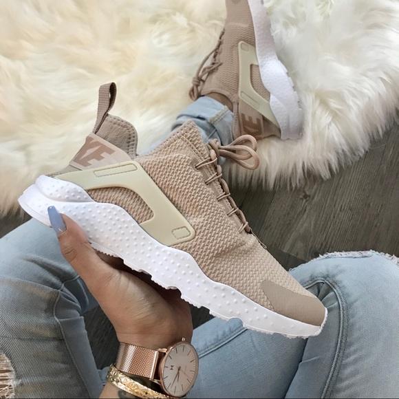 separation shoes 698a1 b45fa Brand New Nike Air Huarache Run Ultra Desert Sand